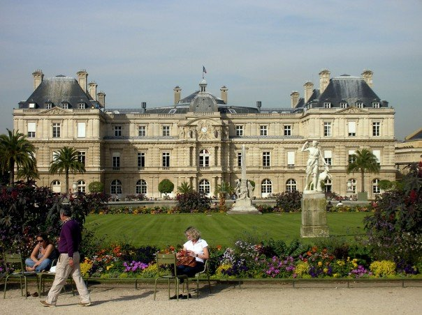 walking around the luxembourg gardens alone was common those first few weeks