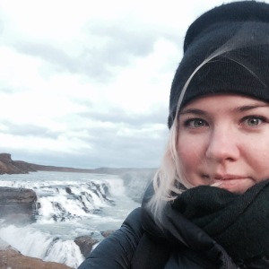 trying to take a selfie at gullfoss